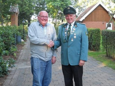 Schützenbund Talge-Langen ehrt Manfred Frerichs